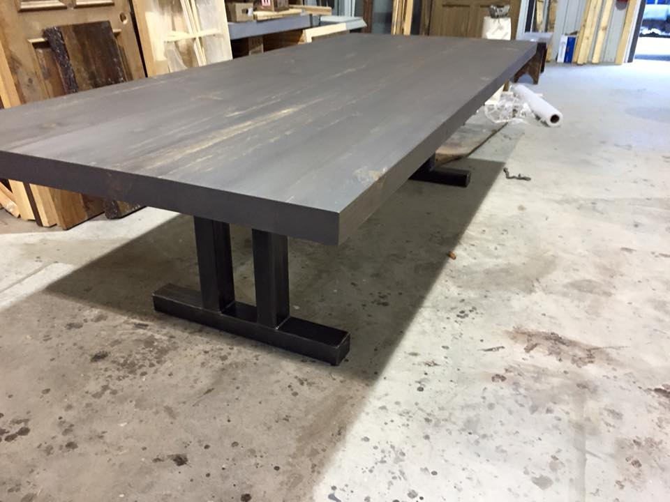 table with metal legs | pro-pin, the pine wood specialist