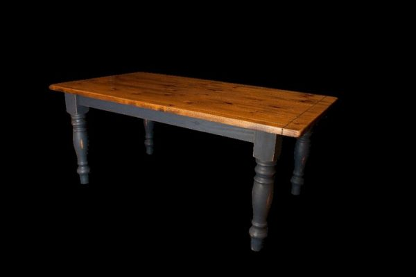 table-farmhouse