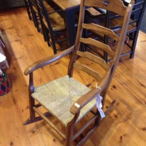 Meubles pro pin le sp cialiste du bois de pin for Meuble chaise bercante