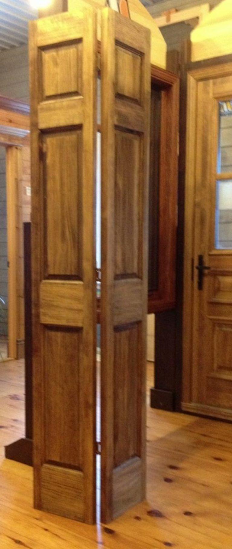 Porte pliante à panneaux