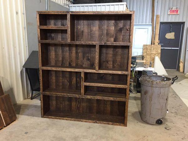 bois grange pin rough teint liveedge gris embouveté rustique antique bibliothèque
