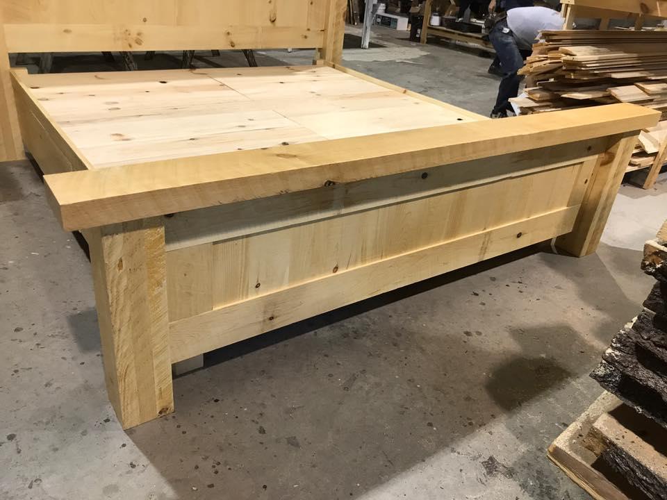 Lit bed pine custom
