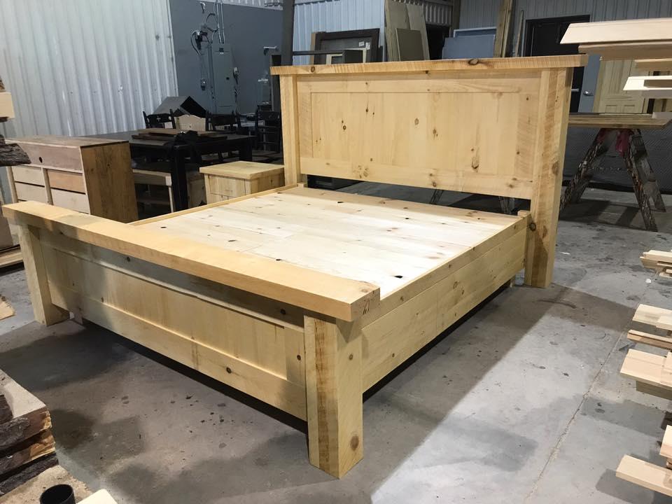 lit bed pine rustic